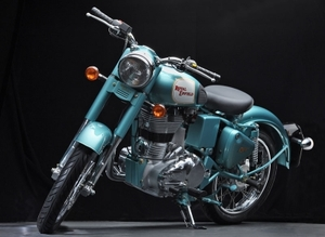 Мотоцикл RE Classic 500 легендарной марки Royal Enfield